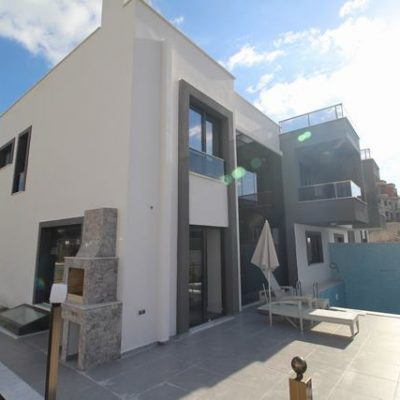 For Sale New Detached Villa in Ladies Beach with Private Pool