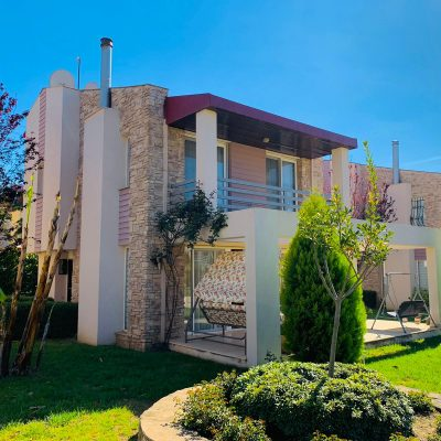 Private villa for sale in Kusadasi with garden and close to beach